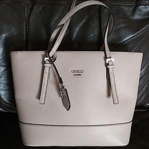 Guess handbag NWOT
